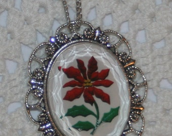 Lacy Scalloped Silvertone Beveled Glass Pointsetia Christmas Flower Cameo Pendant Necklace Brooch Pin