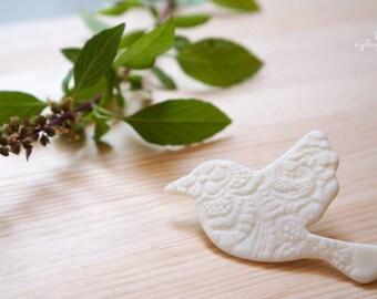 Handmade Bird Brooch (AB0001-01-300) | Clay Brooch – Clay Pin – diy – brooch – bird pin – clay pins – bird Brooch – pins – wedding gift