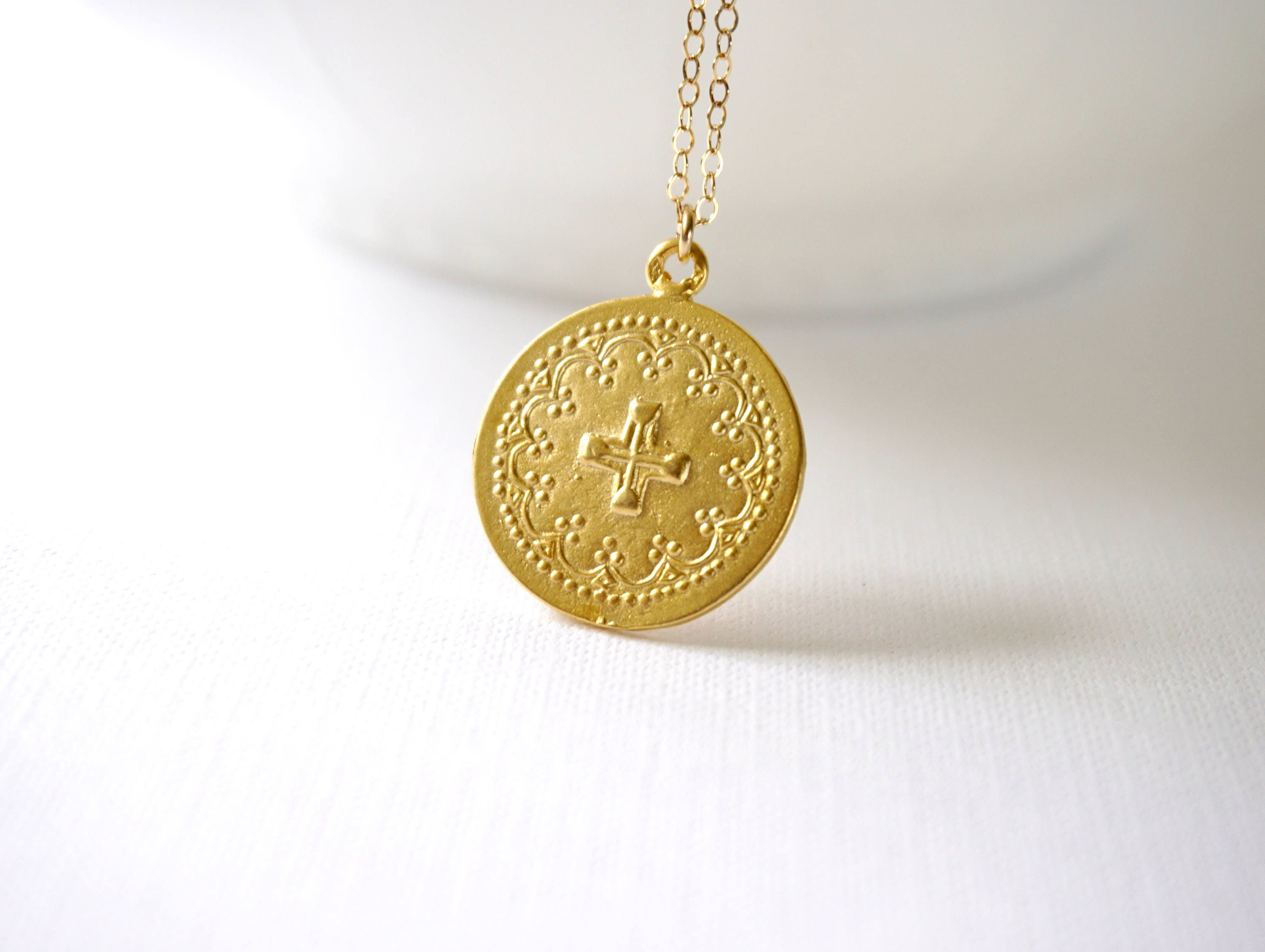 pendant gold necklace chanel unique coin medallion l