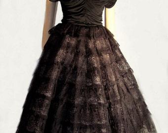 Oolala Bombshell Dress  vintage 50s Cap Sleeve oodles of Lace Med B34