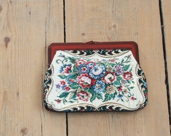 Vintage Tapestry Clutch Purse, Lucite Frame, 1950s, Great Condition