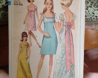 Vintage Simplicity Pattern 7117. Empire Line. Young.