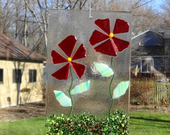 Red Fused Glass Flower Suncatcher, Spring and Summer Stained Glass Suncatcher, Red Fused Glass Flowers, Spring Sun Catcher, Garden Art