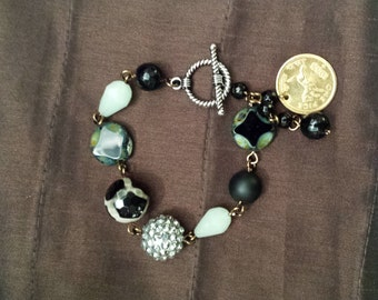 beaded bracelet made by petronella designs