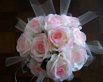 Frosted rose bouquet