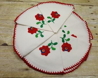 Set of 12 Vintage Napkins, emboidery Round napkins