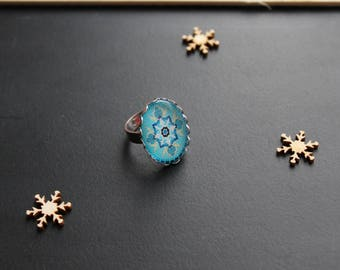 Oriental style oval, turquoise glass cabochon ring
