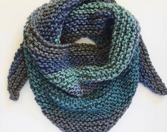 Chunky knit triangle scarf | knit scarf | shawl | womens shawl | chunky knit shawl | textured shawl | knit shawl
