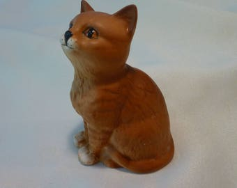 Vintage Cat Figurine - Beswick Figurine Tabby With Matching Eyes - Ceramic Cat Ornament - Made in England - Numbered Figurine -
