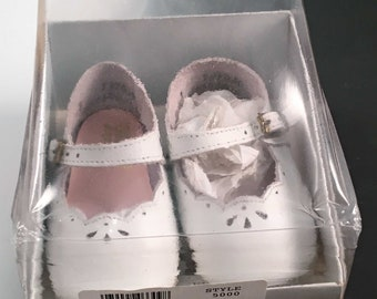 Vintage Infant Girls Baby Deer Soft Soles Shoes White Size 3 Mary Jane Style