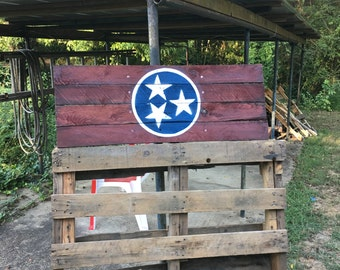State of Tennessee flag on pallet wood