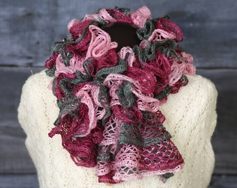 pink and gray ruffle scarf