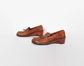 Vintage 70s Leather CLOGS / 1970s Closed Toe Wood Heel Loafers 9