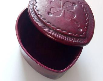 Jewelry box - Leather and wood - Tuareg style - dark red
