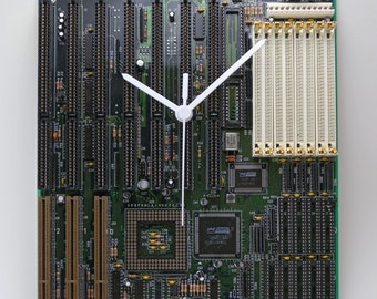 Dark green motherboard Watch (motherboard, computeric Geek, Steampunk Technology).