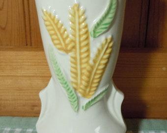 Vintage Shawnee Pottery Ivory Triple Wheat Vase, #1267, cream vase, ceramic vase, made in USA, white