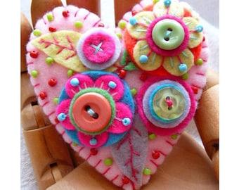 Japanese Art Inspired Handmade Heart Shape Felt Brooch - Baby Pink