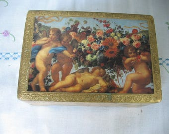 Florentine Hinged Lidded Box with Cherubs