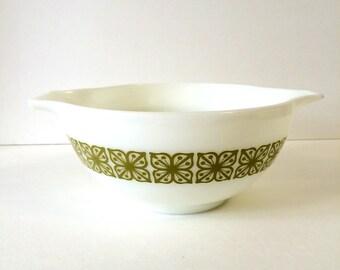 Vintage Glass Pyrex Mixing Bowl