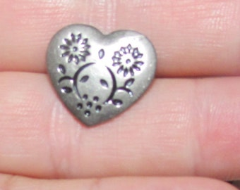 heart buttons set of 8 silver