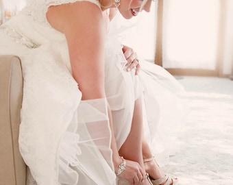Pearl Bridal bracelet, wedding bracelet, pearl rhinestone bracelet, Swarovski pearls and Swarovski crystals bracelet, bridal cuff, AMELIA