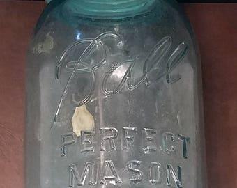 Ball Perfect Mason Jar with lid