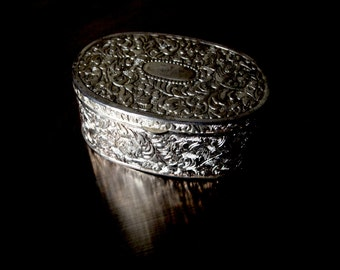 Beautiful Mysterious Vintage Embossed Filigree Naturalist Leaf Bohemian Graphic Design Sterling Silver Metal Jewelry Curiosity Box