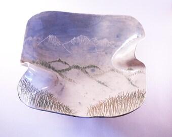 Unique winter bowl, sgraffito bowl, handmade bowl, ceramic bowl, japanese style, mountain bowl, handcraft ceramic, beautiful bowl, pottery