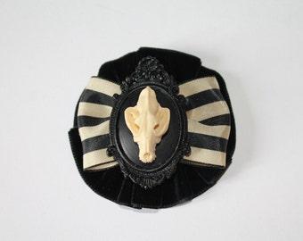 'Wolf Skull' pin badge