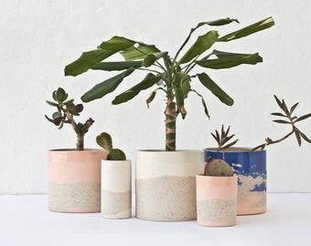 White ceramic planter pot. Speckled plant pot. White home decor. Minimalist planter. Contemporary ceramics. Cylinder planter. Plant lovers.
