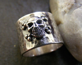Silver Skull ring with hammered band Rustic oxidized skull and crossbones ring