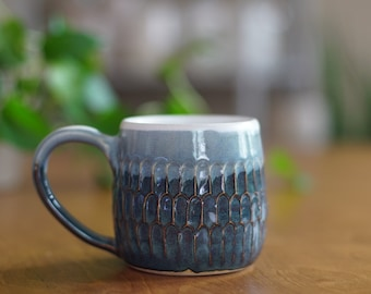 Blue Carved Mug 016