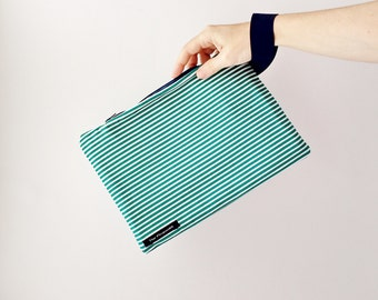Striped green cluch Green pouch Summer wristlet Striped zipper bag