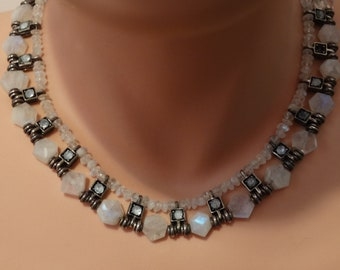 Sterling Silver Feminine And Graceful Antique Faceted moonstone Necklace.