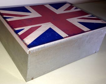 Distressed Union Jack Tin Storage Box (19 x 14 x 7 cm )