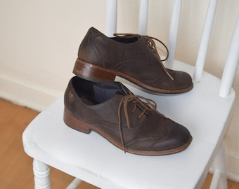 Sebago Brown Oxford Lace Up Leather Shoes with Wooden Heel Womans 7-7.5