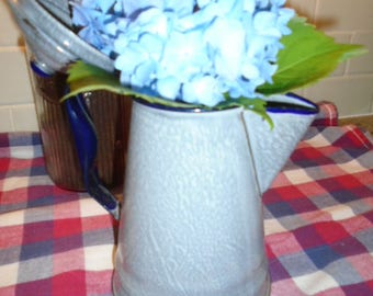 Vintage Speckled Graniteware/Agateware Coffee Pot Country Kitchen