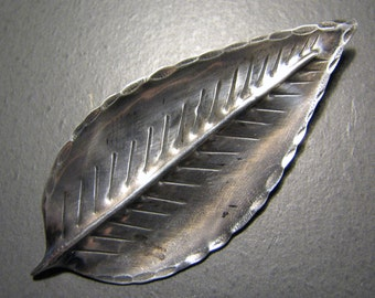 Vintage HAND MADE Leaf Brooch in Sterling Silver