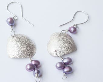 925 Sterling silver wirework heart earrings, with purple/lilac dyed fresh water pearls