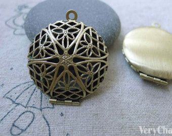 Antiqued Brass Photo Locket Filigree Round Pendants 27mm Set of 5 pcs A7600