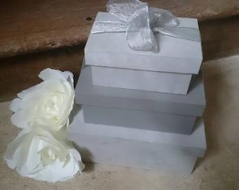 Shabby chic style nesting boxes / romantic