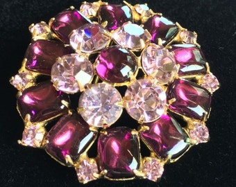 Gorgeous Vintage Weiss Brooch Pin~Purple/Lilac Rhinestones/Gold Tone~Signed