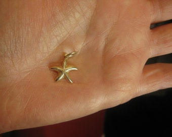 Solid 14k Yellow Gold STARFISH Pendant Stackable Unisex Charm Beach Holiday Treasures Collection