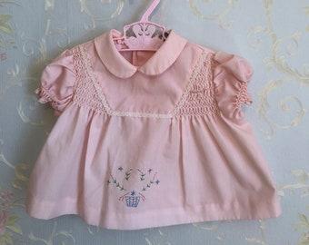 Vintage 1970s Baby Infant Girls Pink Smocked Floral Lace Embroidered Dress! Size 0-6 months