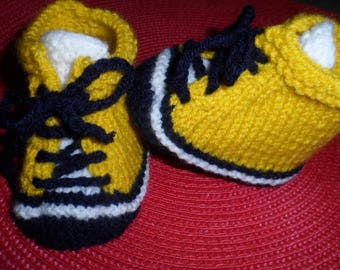 Baby shoes, sneakers baby wool