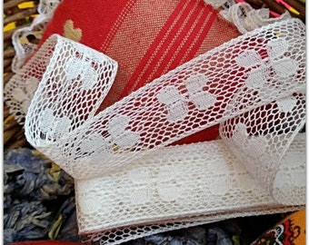 Antique Narrow Bobbin Lace Floral French Cotton Lace Unused Sewing Project Bridal Collectible #sophieladydeparis