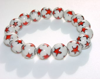 Stars / Star / Star Bracelet / White / Red / Chunky Bracelet / Fun / Festive / White Clay Beads with Red Stars