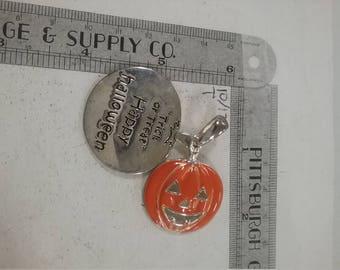 Silvertone halloween jack o lantern necklace pendant