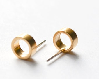 Gold Stud Earrings - Tiny Open Circle Studs - Go To Lightweight Modern Circle Studs - Everyday Gold Faux Hoop Earings - Hook and Matter NY