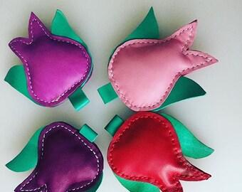 Leather Tulip Key Chain, Colorful Flower, Housewarming Gift, Bag Accessory, Key Fab